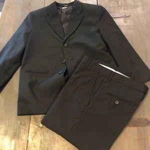 Boys size 10 Husky Van Heusen Suit